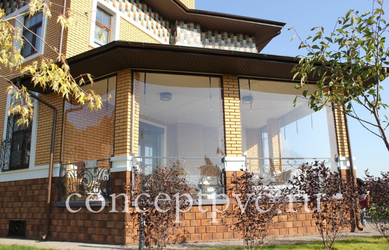 Мягкие окна отлично подчеркивают дизайн, дают свободу фантазии при декорировании внутреннего пространства